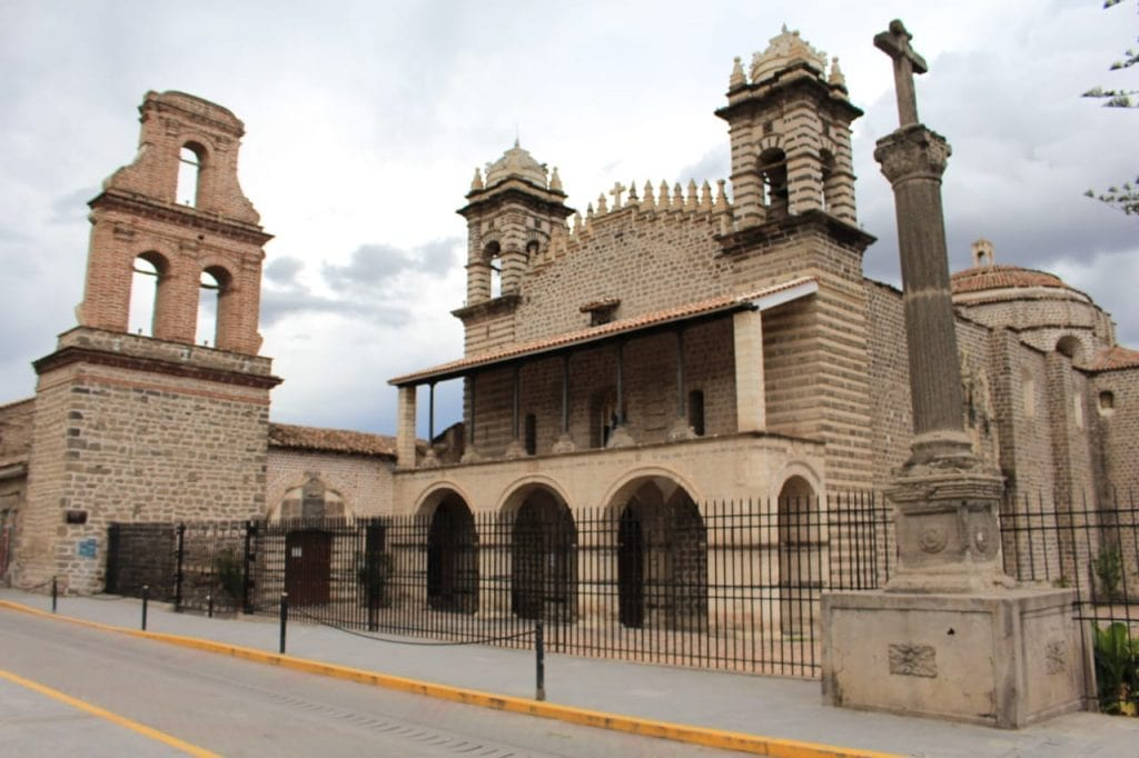 Templo de Santo Domingo - Ayacucho - Cinco destinos increíbles para luna de miel en el sur del Perú