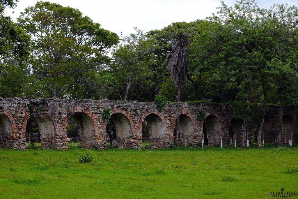 Arcos del Ingenio Azucarero de San Jerónimo