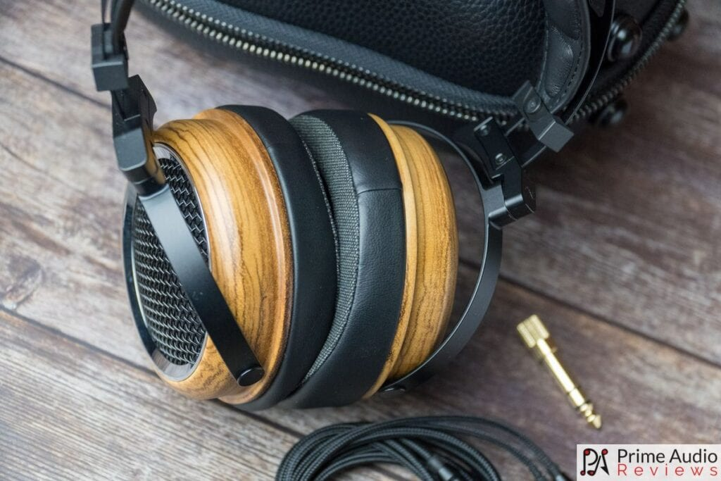 SIVGA Phoenix headphones with case and cable
