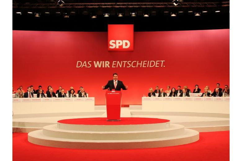 На выборах в Берлине СДПГ ожидает полный разгром фото 1