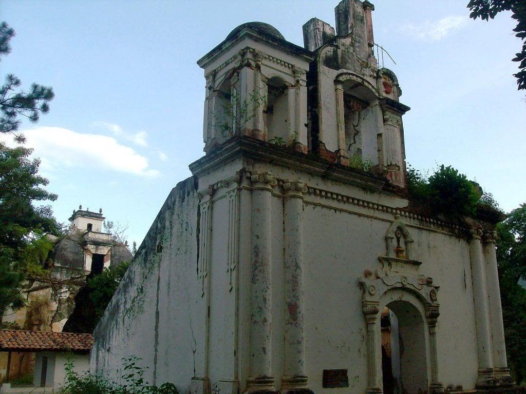 Efectos del terremoto de 1976 sobre la Iglesia Colonial San Ignacio de Ostúa