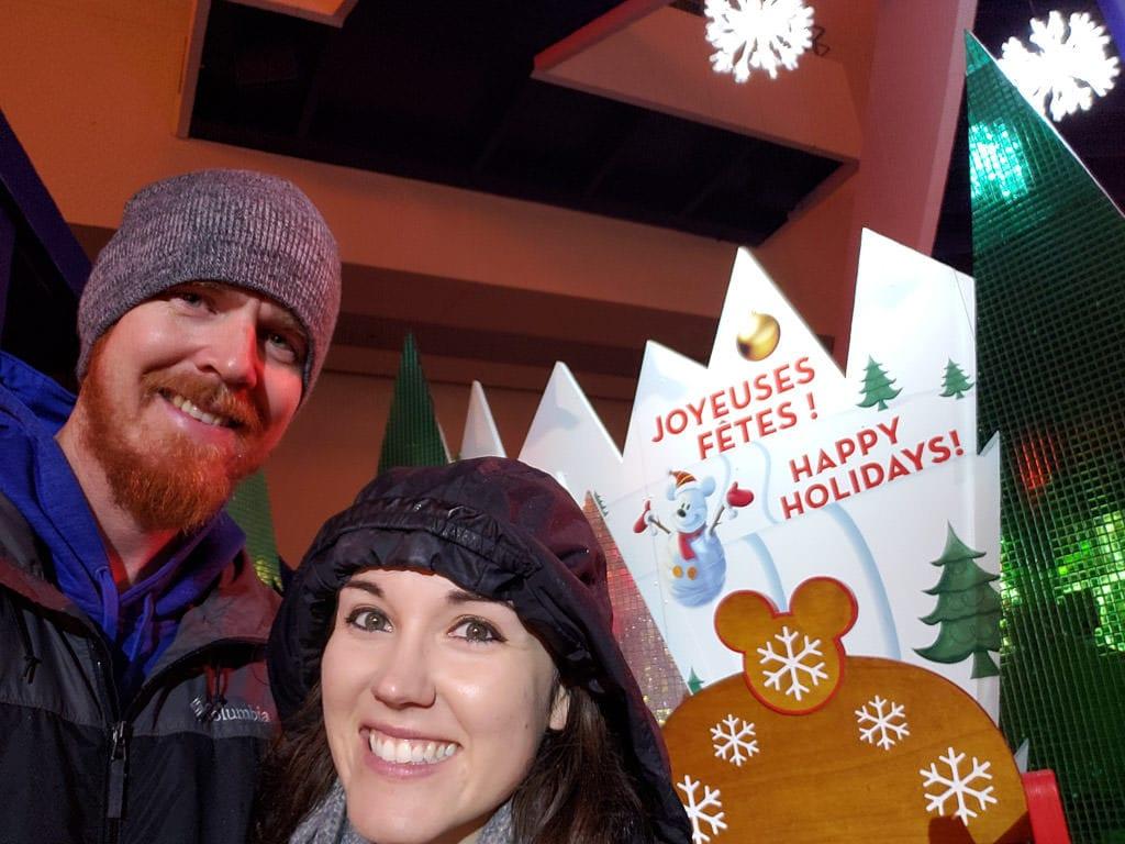 disneyland paris happy holidays sign