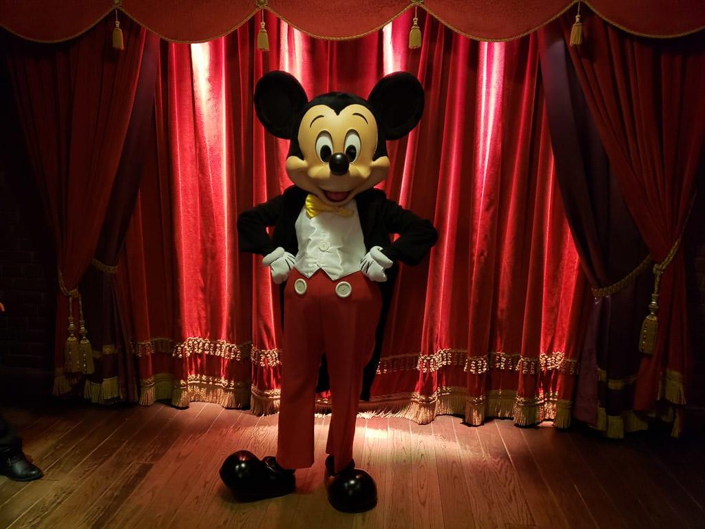 mickey mouse at disneyland paris