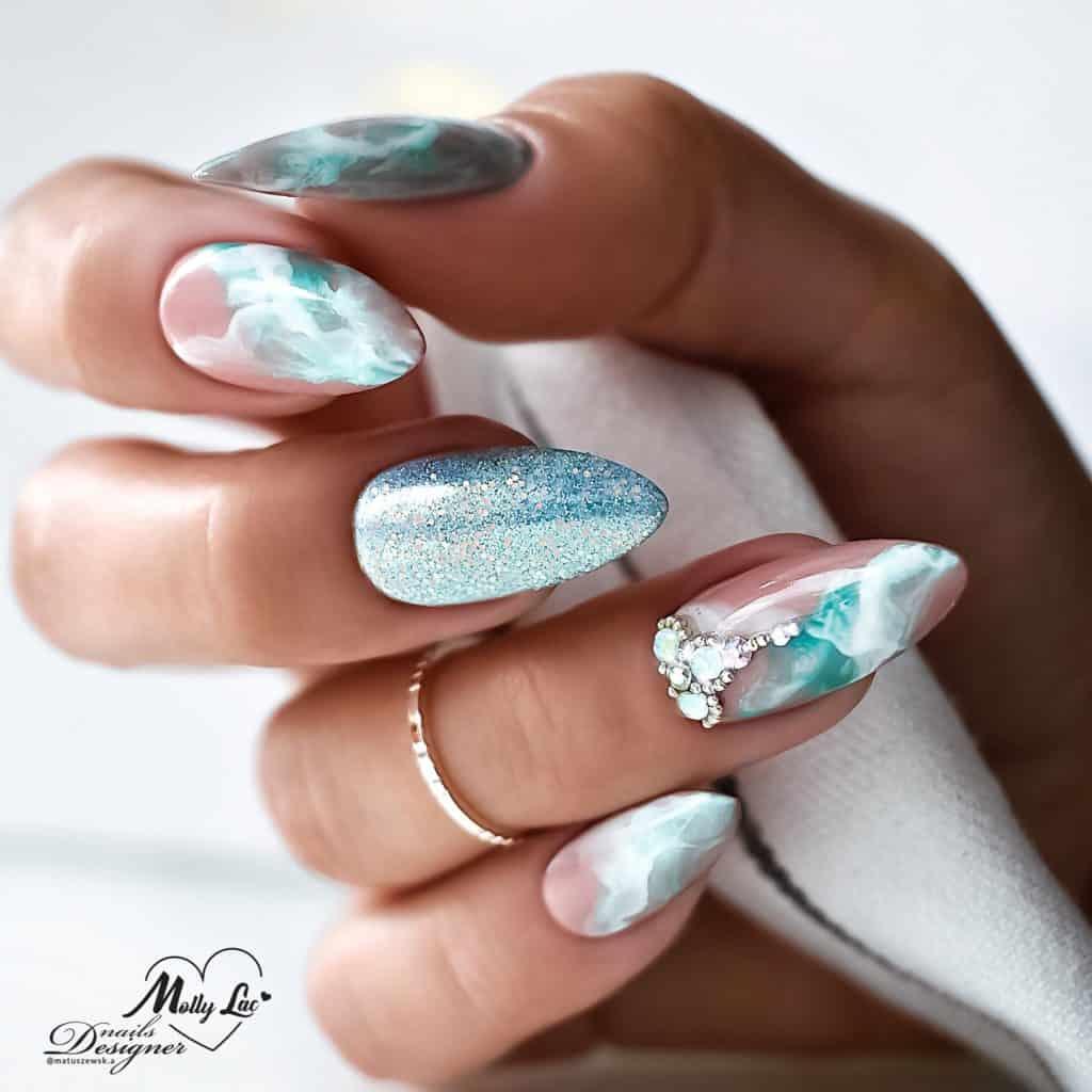 akwarelowe zdobienia w manicure hybrydowym