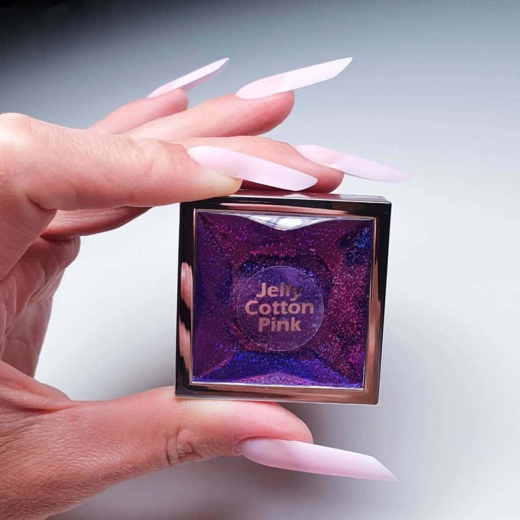różowy żel do przedłużania paznokci