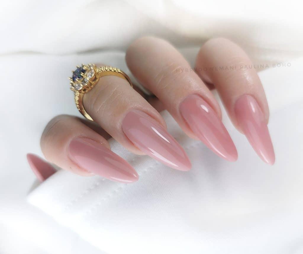 żel do przedłużania paznokci o konsystencji musu