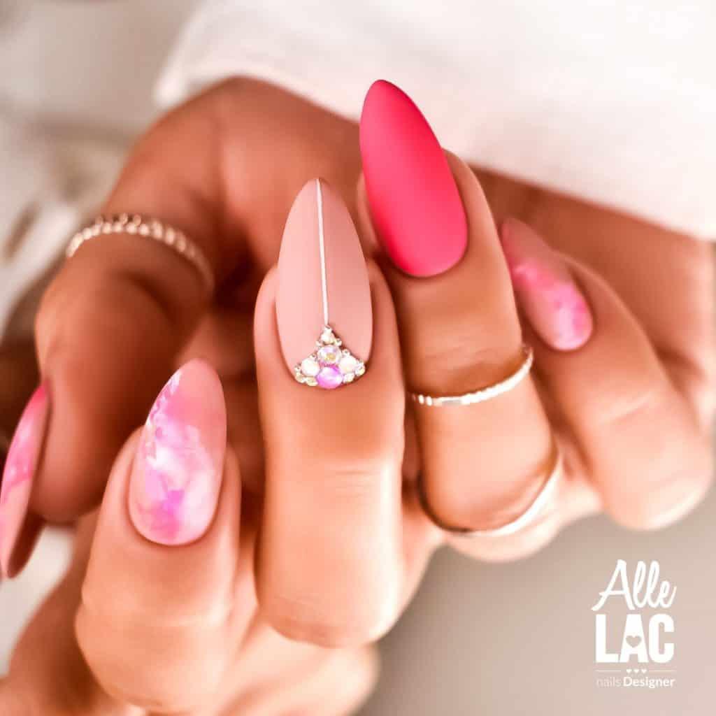 różowe matowe paznokcie hybrydowe