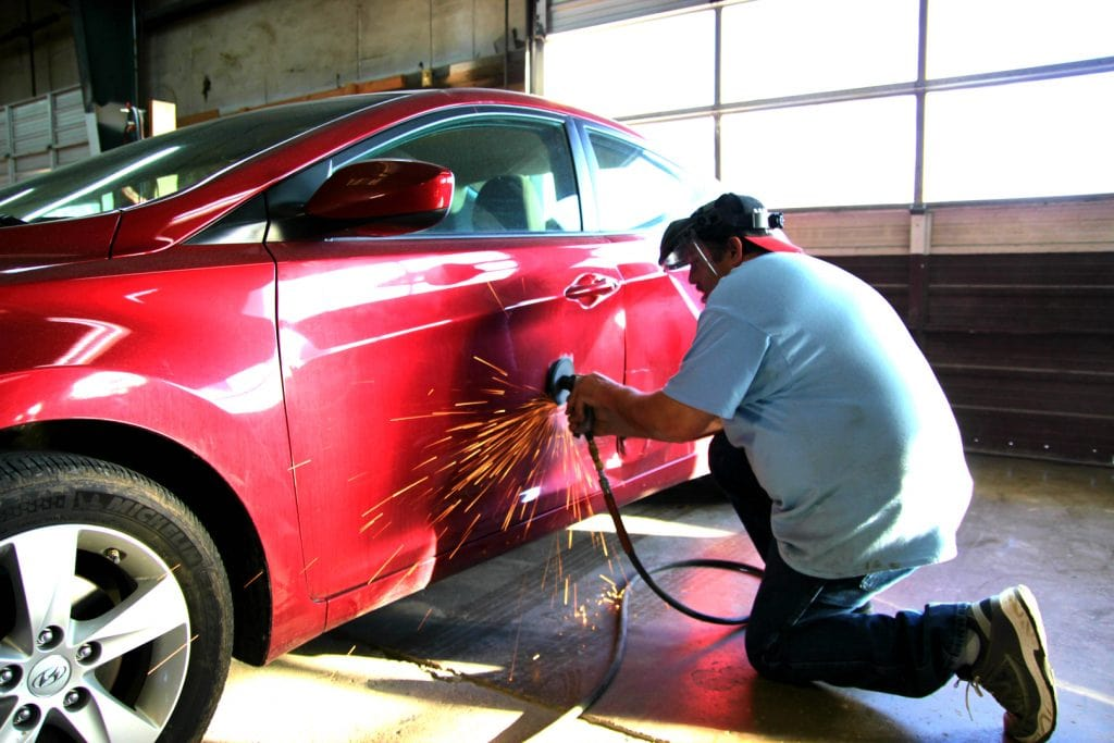 independent-methods-of-repair-fender-dent-after-a-small-collision