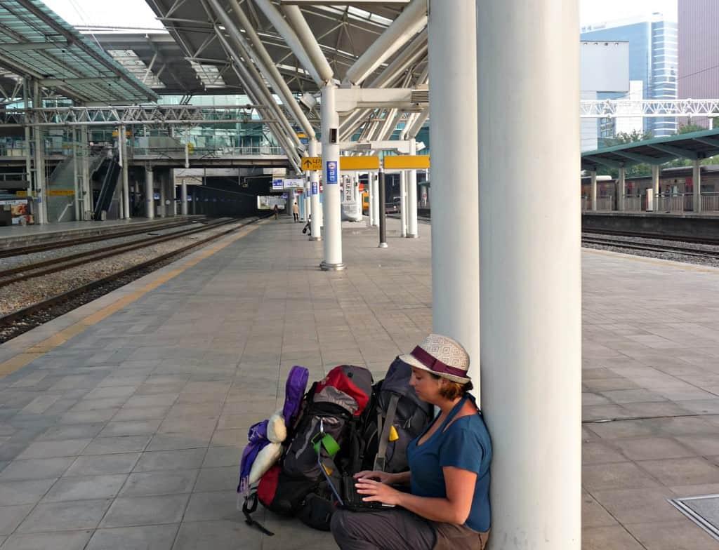 globalhelpswap 5 tips on long distance train travel book ahead