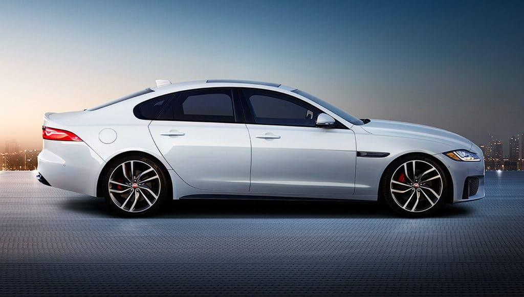 New shoulder line of the 2016 Jaguar XF