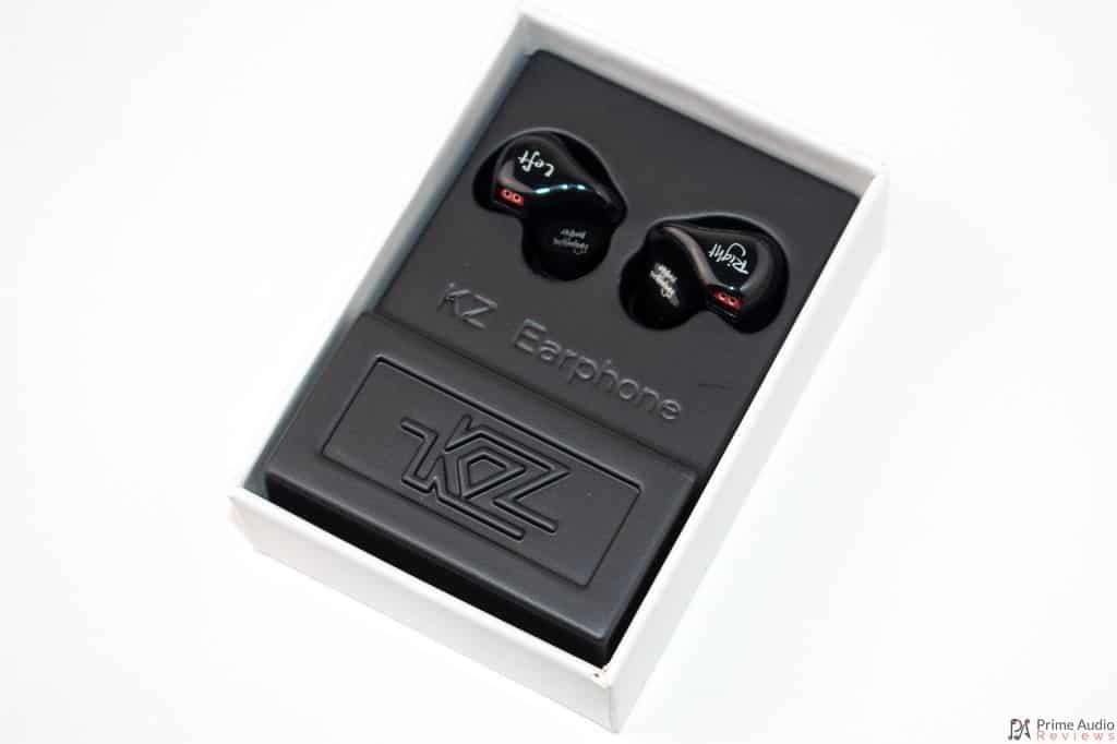 KZ ZS4 Box open