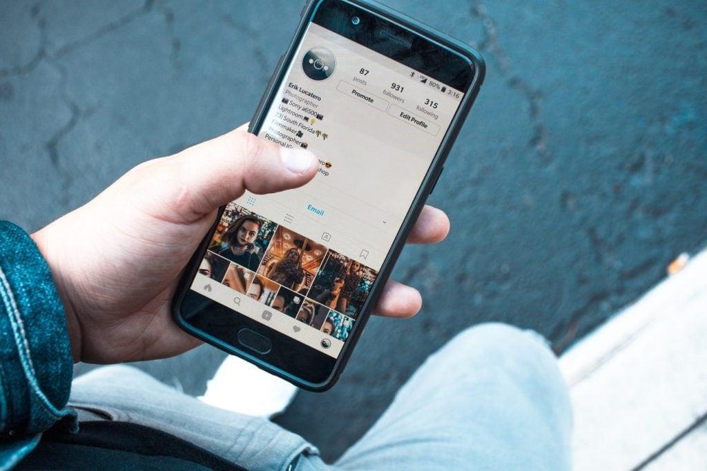 peut on espionner un iphone 8 Plus