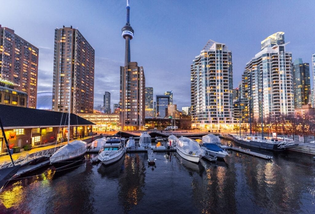 8 Tips For Moving To Canada On Working Holiday Visa From Australia