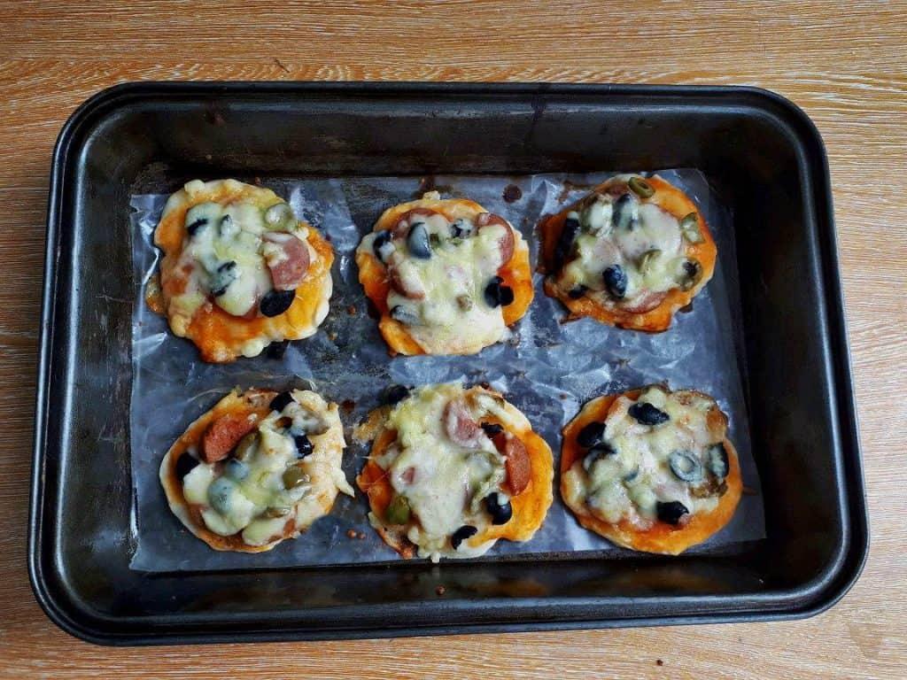 Mini Pizza Recipe in a Tray