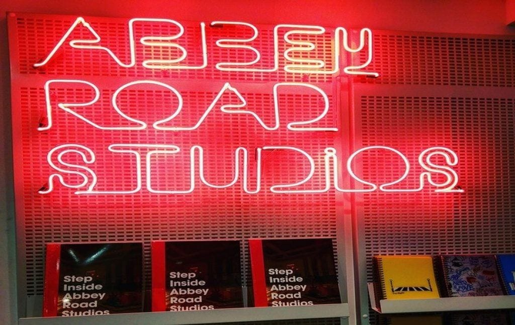 london-beatles-tour-abbey-road-studios