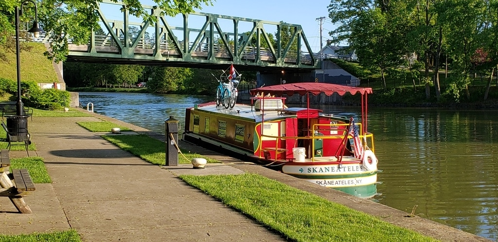 7 Reasons an Erie Canal Boat Trip Should be at the Top of Your Bucket List