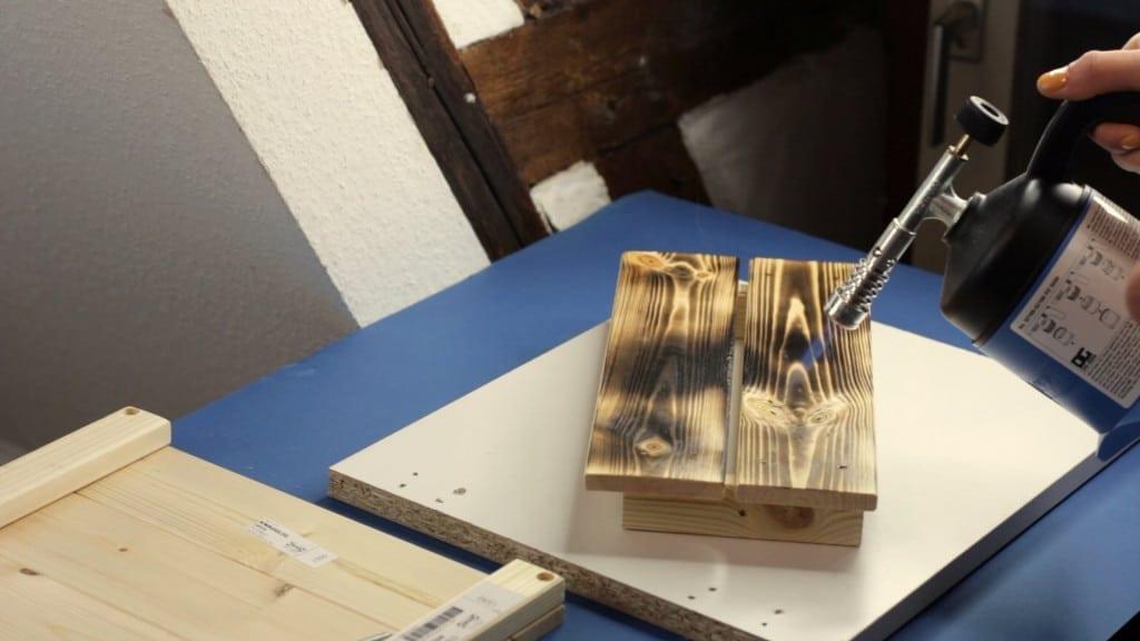 Holz altern flaemmen