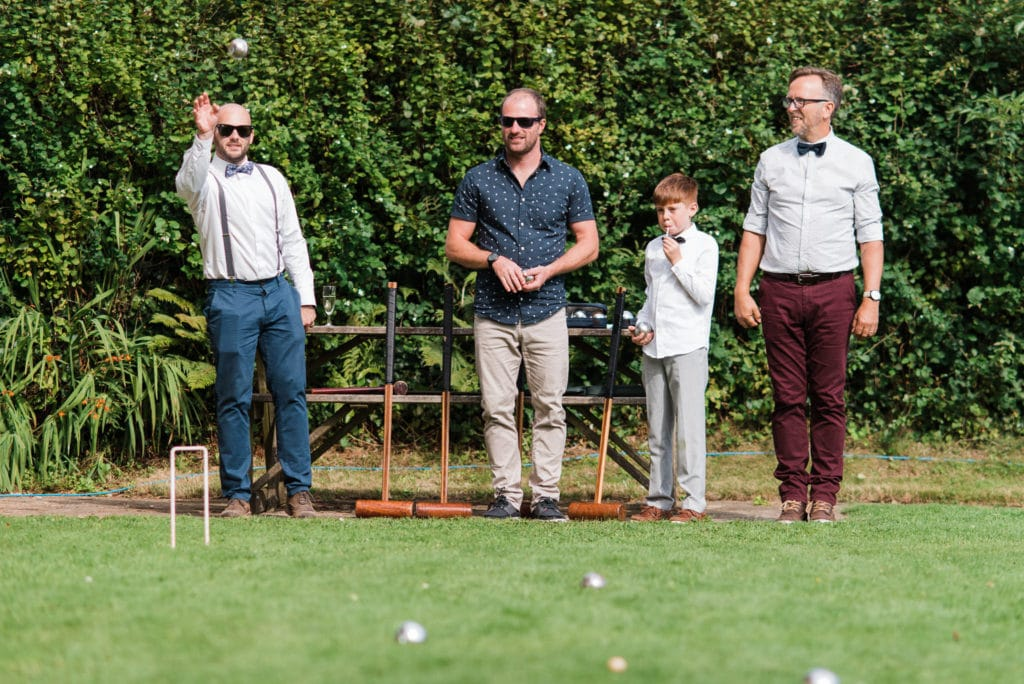 Outdoor games to entertain the wedding guests