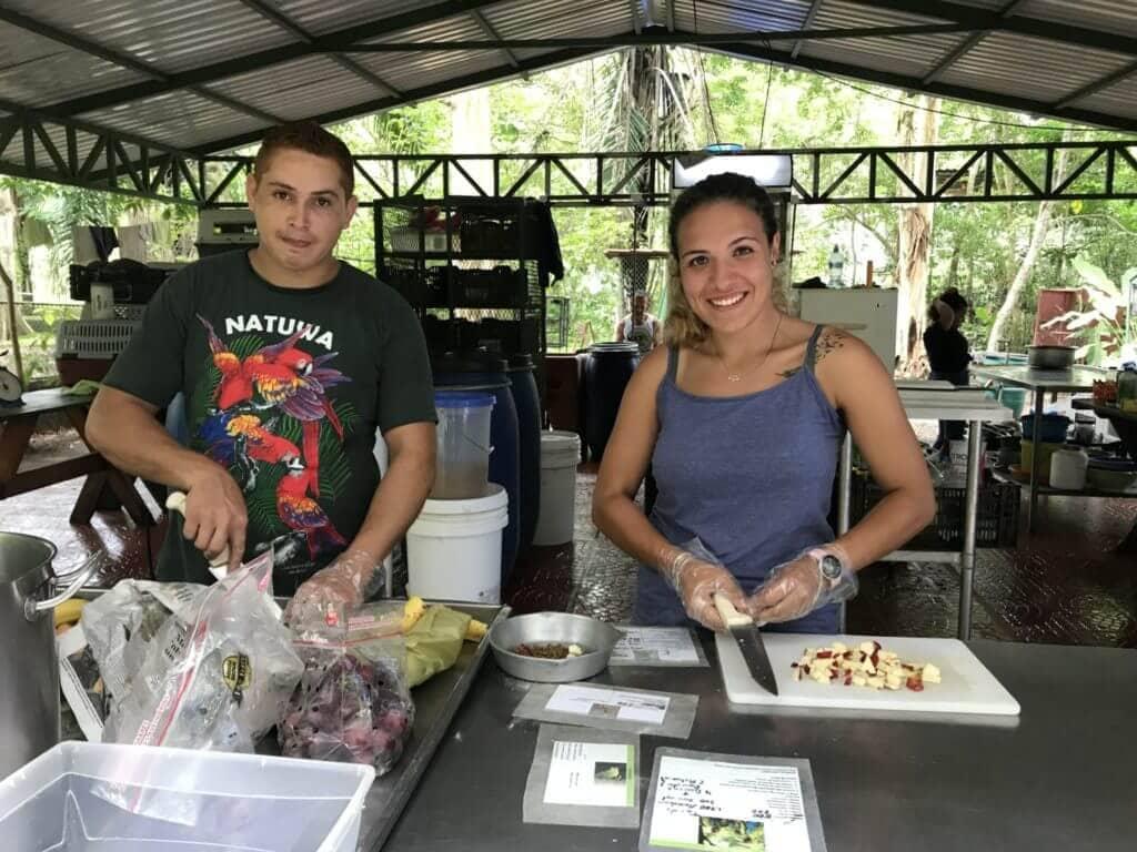 Alimentación de animales silvestres en NATUWA.