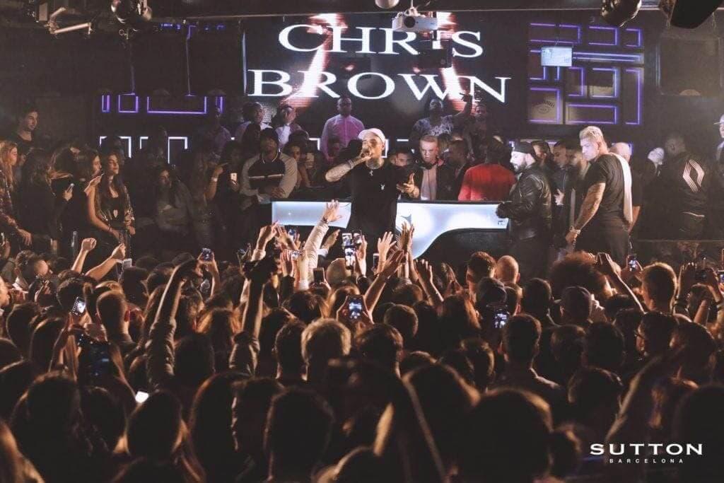 chris brown en sutton club