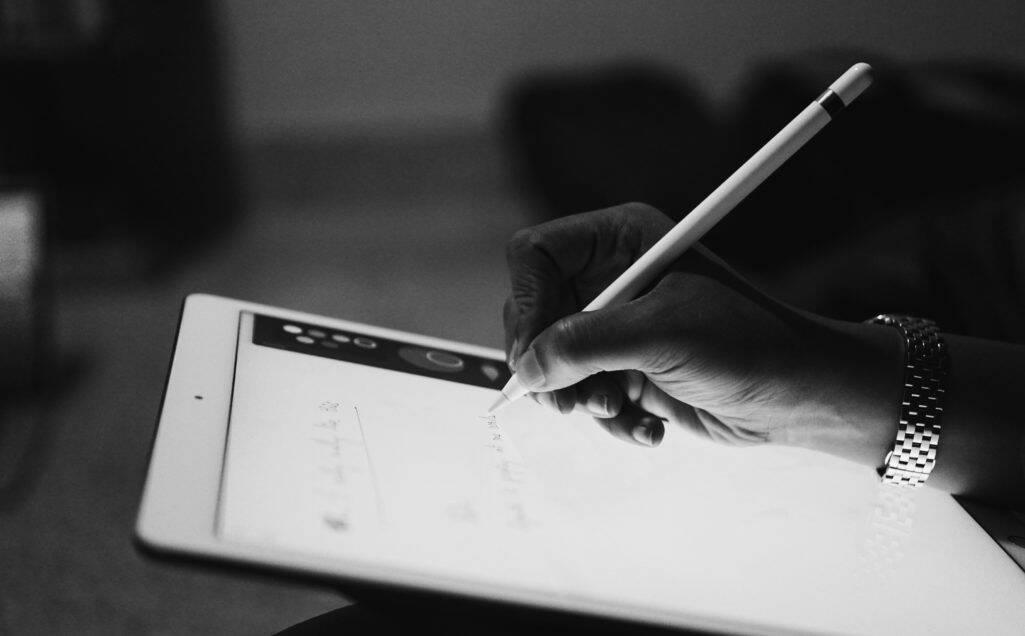 Apple Pencil am iPhone aufladen