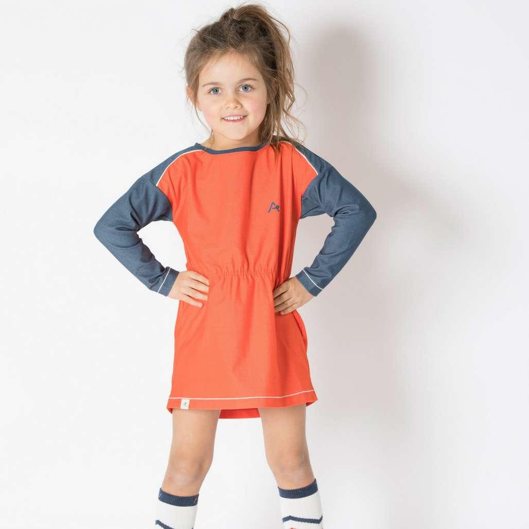 Mädchen mit Kleid Isla orange.com von Albababy bei Kleidermarie.de