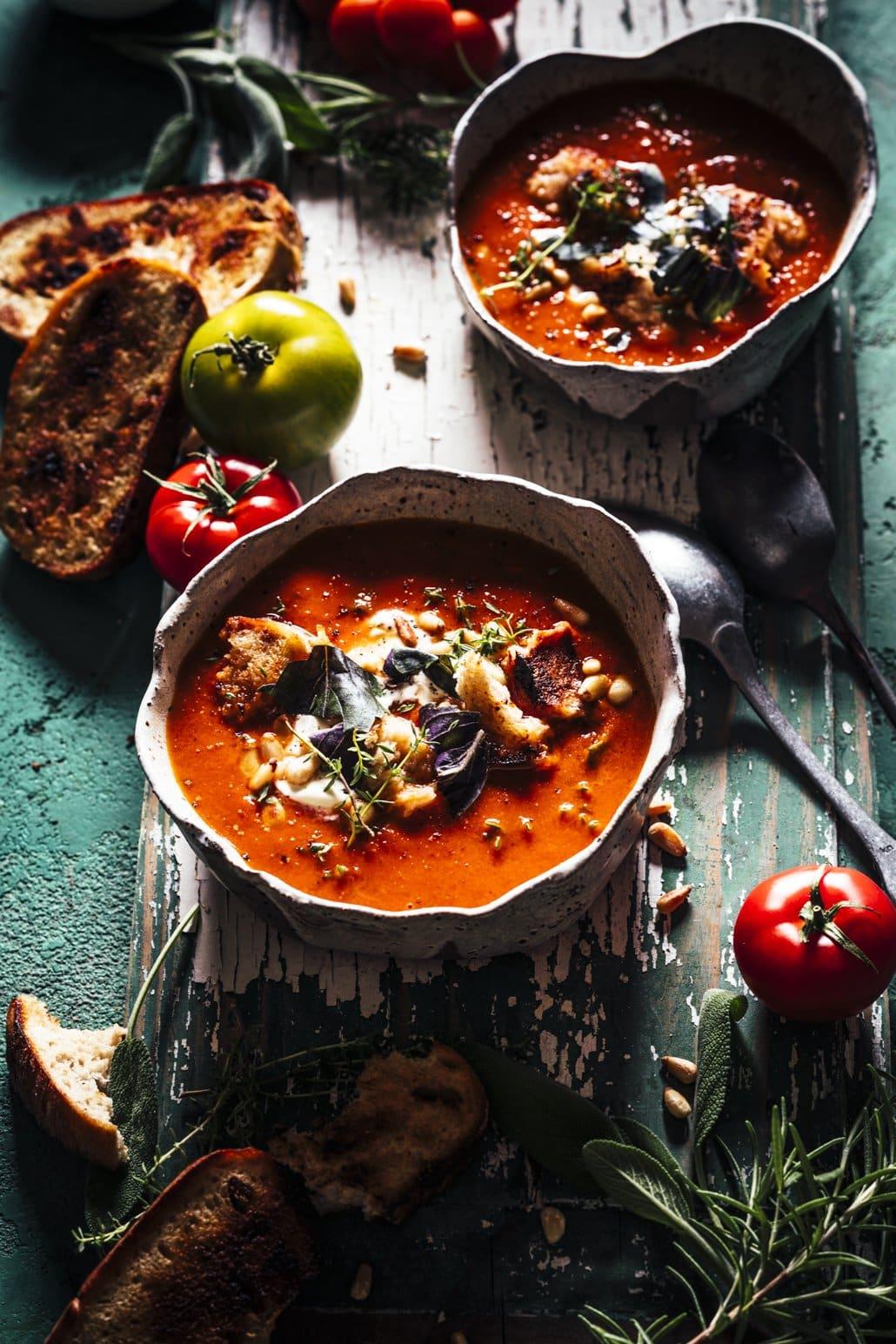 Sommerliche Tomatensuppe