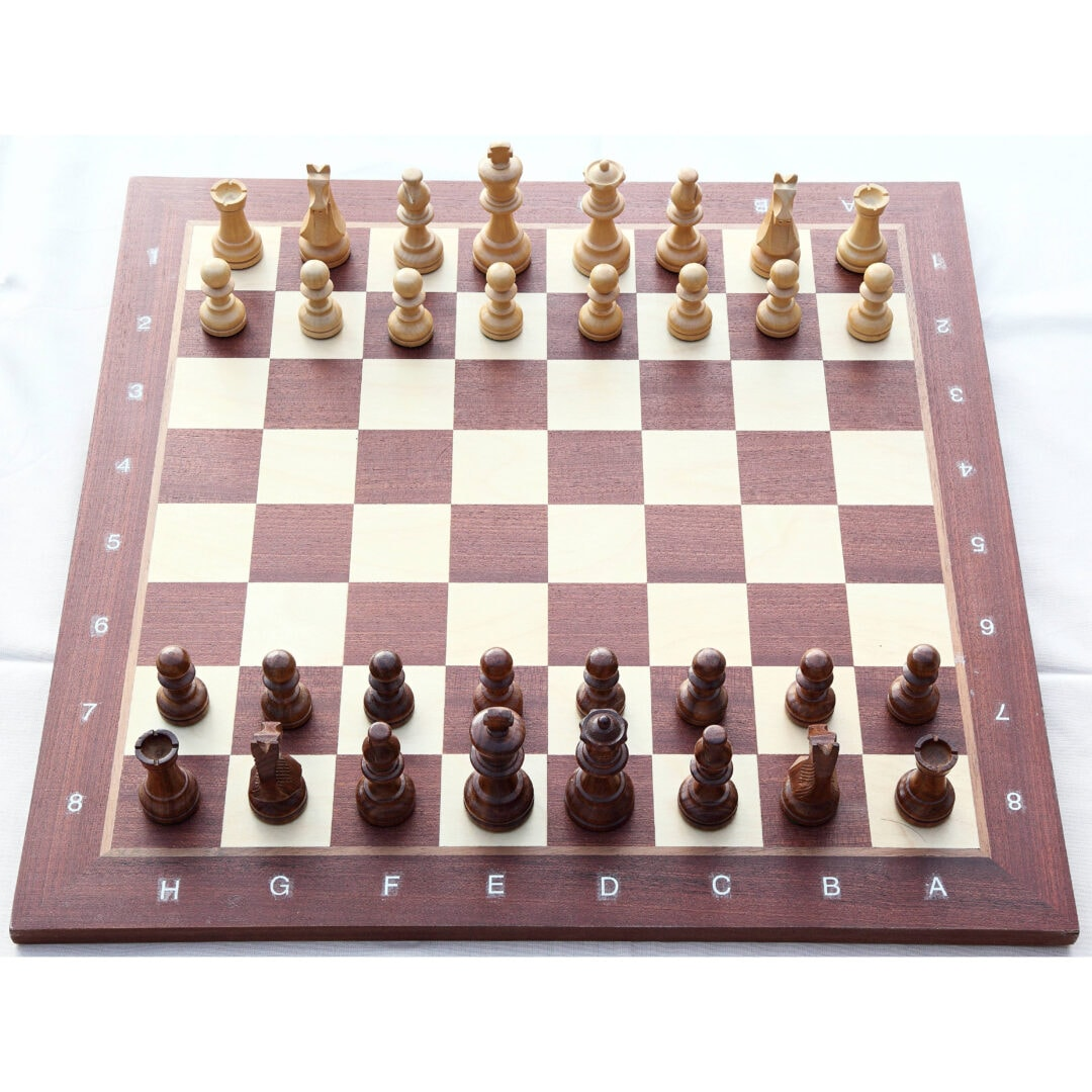 Schachbrett vor der Schacheröffnung