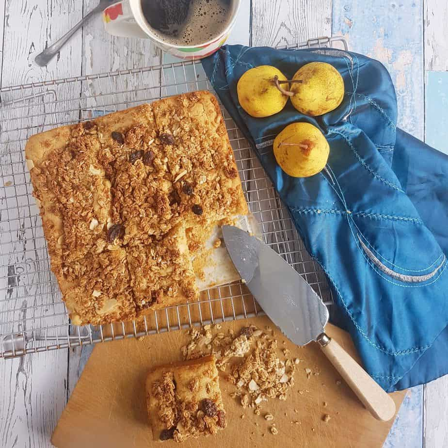 Easy Pear and Ginger Crumble Cake