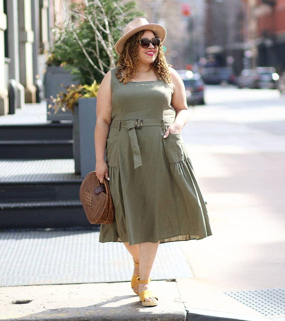 Sandra wears a sundress and sandals | 40plusstyle.com