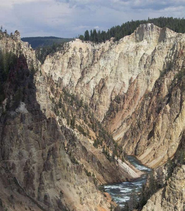 Travelling through the Yellowstone National Park – day 1