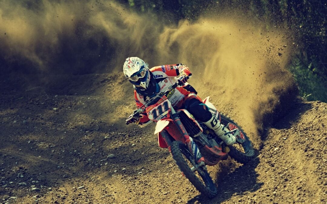 Beginner's guide on How to Ride a Dirt Bike like a pro