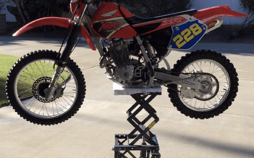 2020 DIRT BIKE TUSK SCISSOR LIFT STAND REVIEW