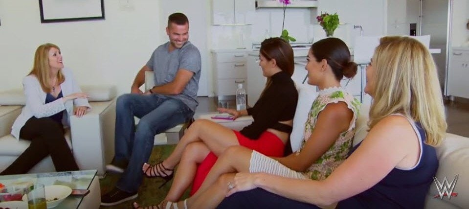 Appearance on E! Entertainment – Training the Bella Twins' Family