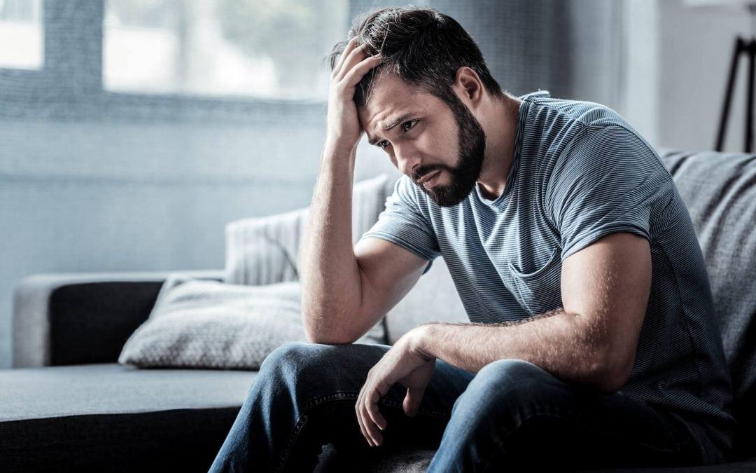 Reflux, pánikroham, hátfájdalmak: a tartós stressz előbb-utóbb testi tünetekkel is jár