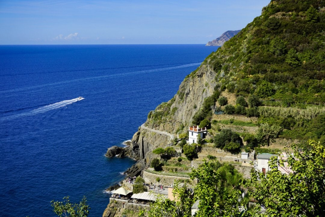 Hiking in Cinque Terre - Experiencing the Globe