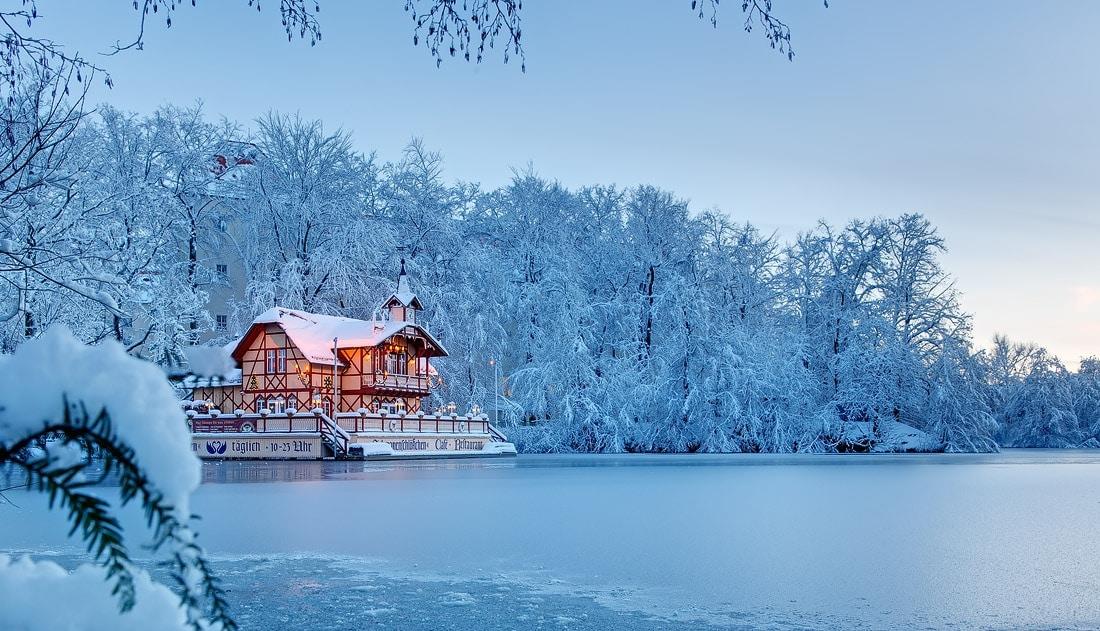 Foto Schwanenschlösschen Winter Freiberg, gebäude fotografieren, immobilienfotograf