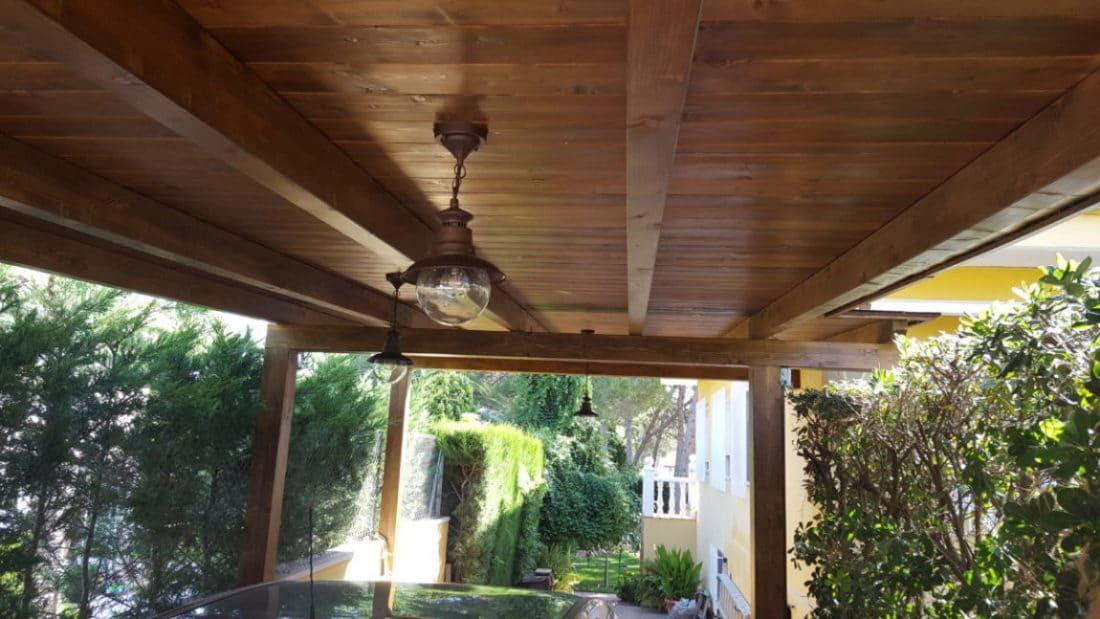 porches de madera en garaje