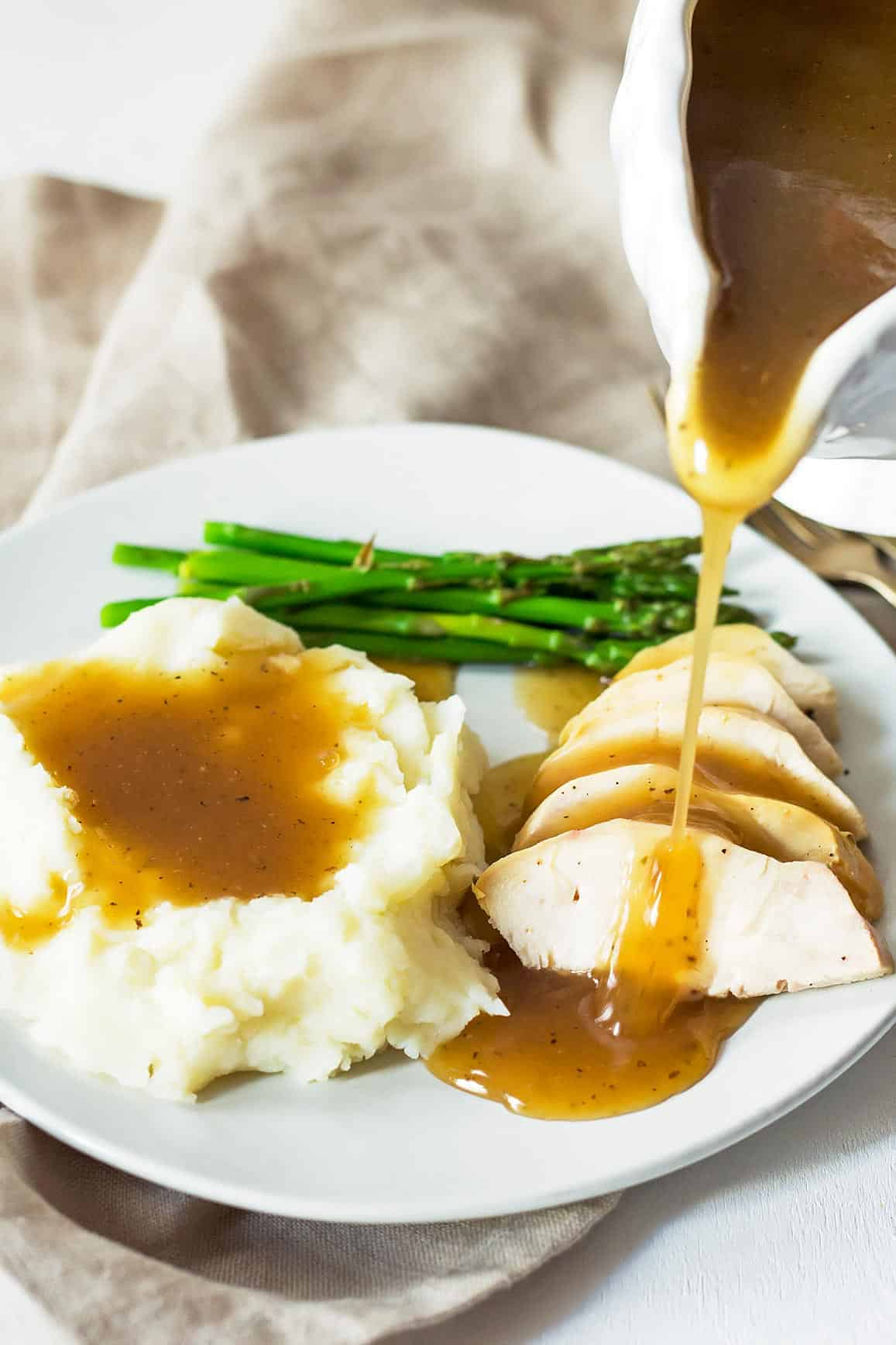Gluten Free Gravy on Turkey