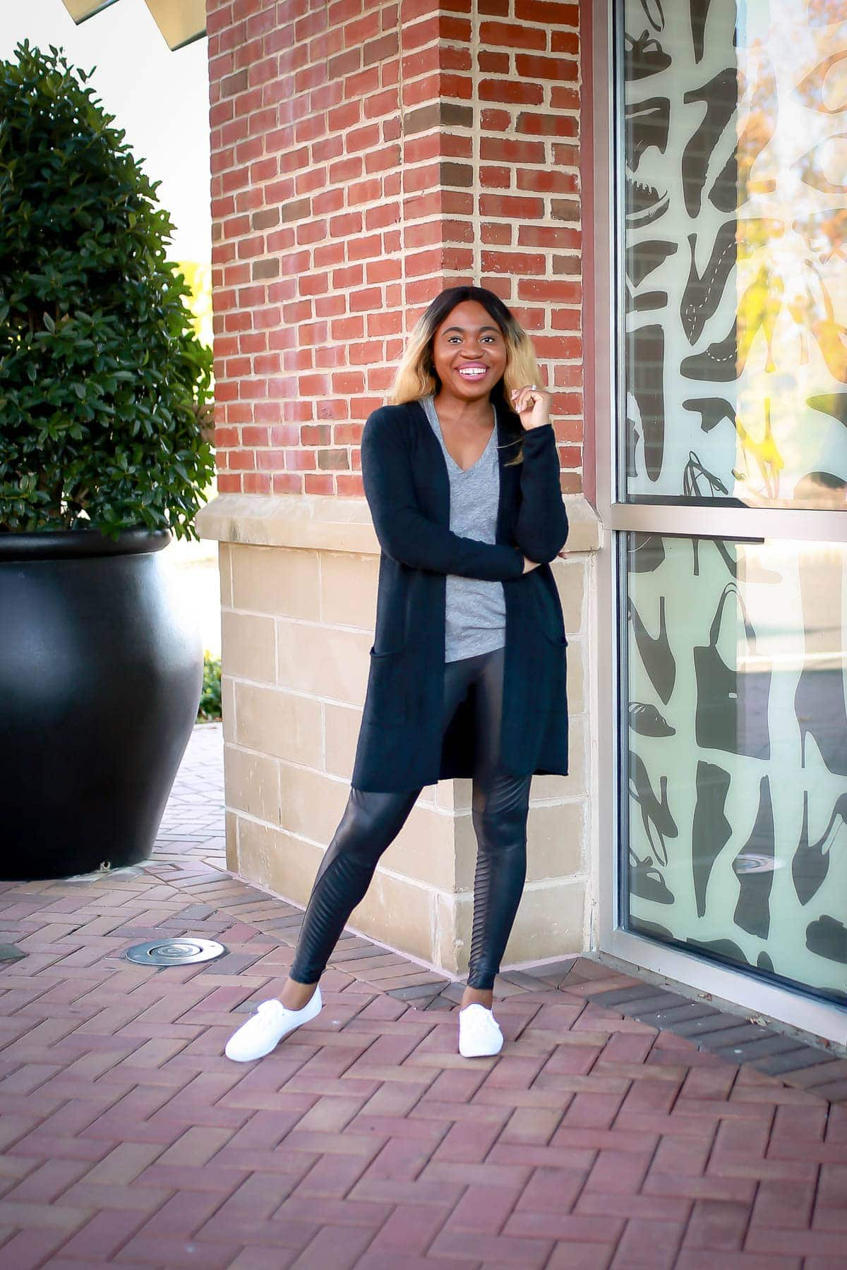 Before you hit the check out button, read this Spanx faux leather leggings review first. This is everything you need to know about this moto leggings and if it truly is one of the best Nordstrom leggings?
