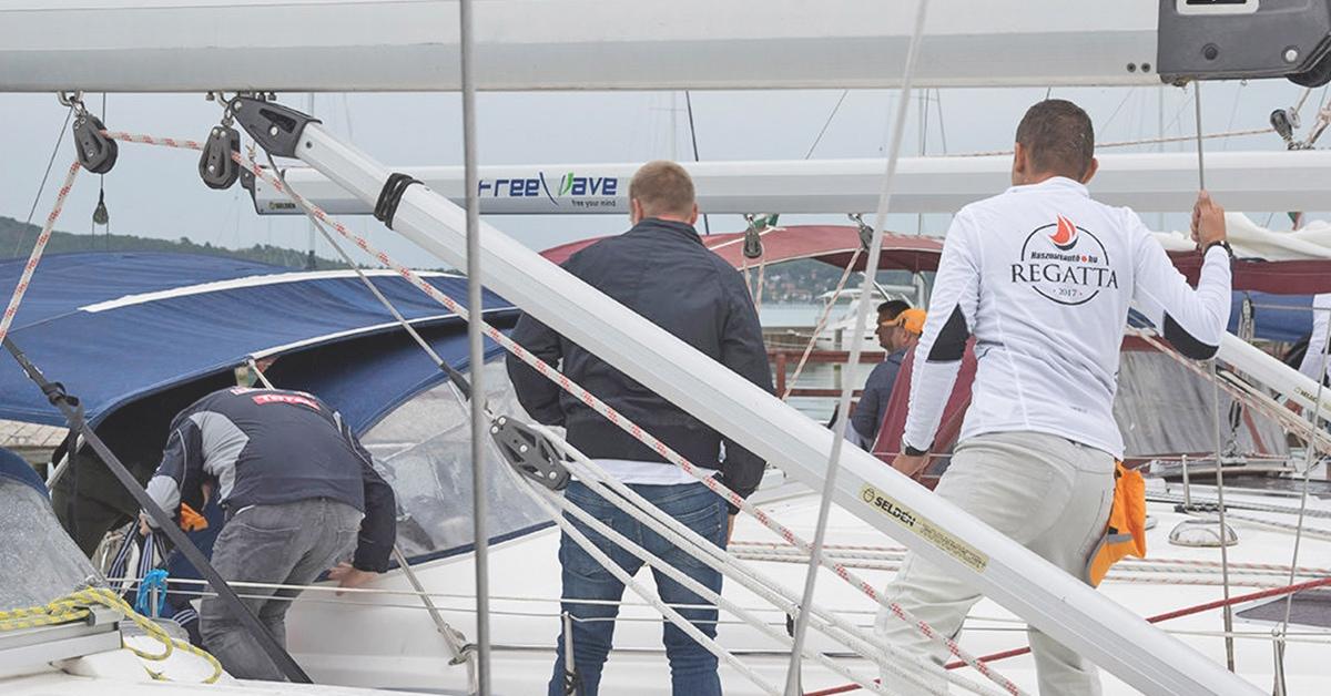 Használtautó.hu Regatta vitorlás csapatépítés | Füredyacht Charter
