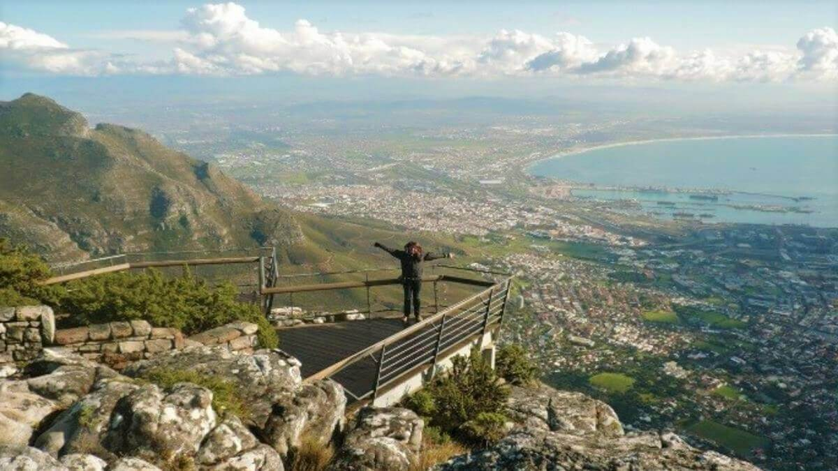 bailey-bridge-clear-table-mountain-view