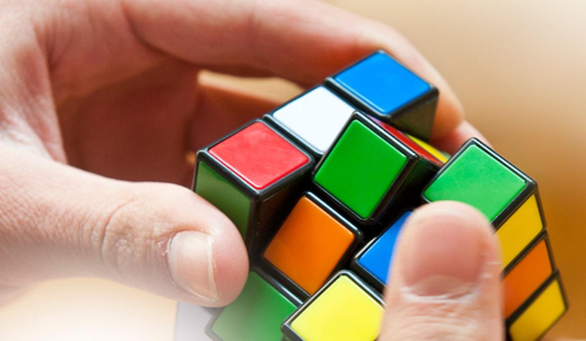 AEG WordPress Images Web 1200x700 0038 RubiksCube IStock 469830534