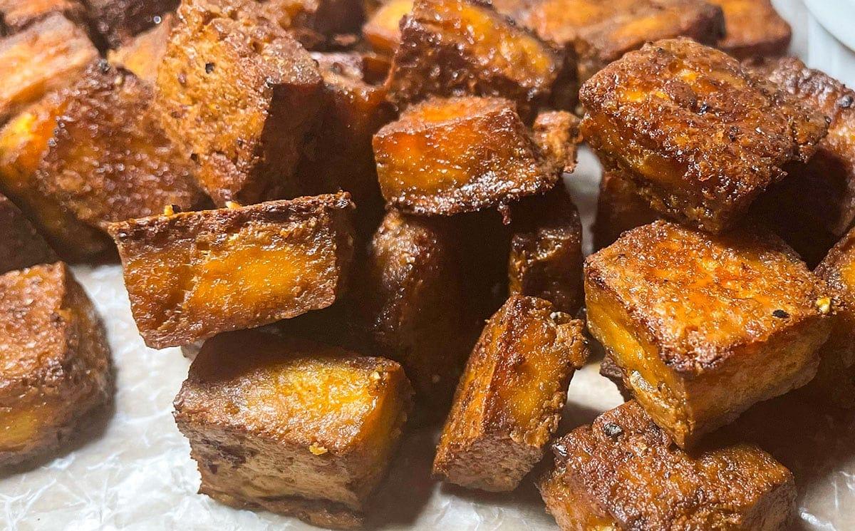 crispy tofu cubes close up