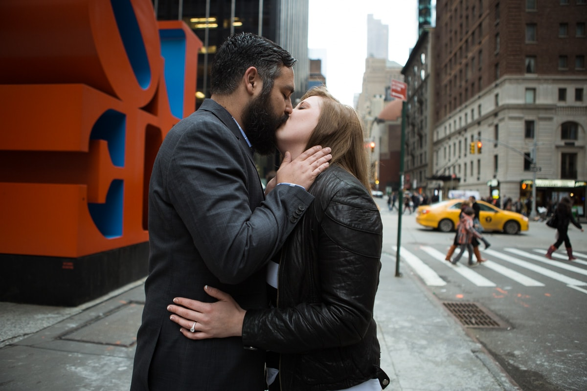 [Surprise proposal by Love Sculpture in NYC]– photo[3]