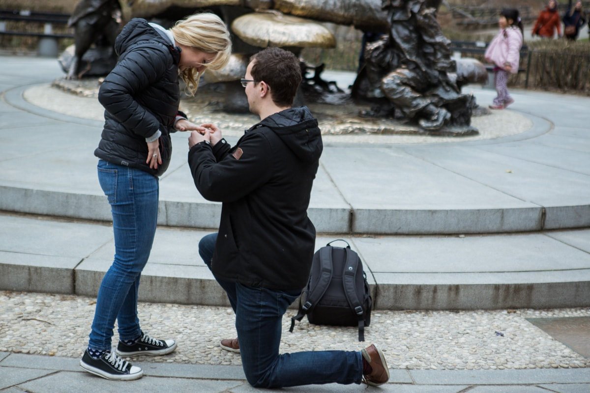 Photo 5 Surprise wedding proposal by Alice in Wonderland statue in Central Park. | VladLeto