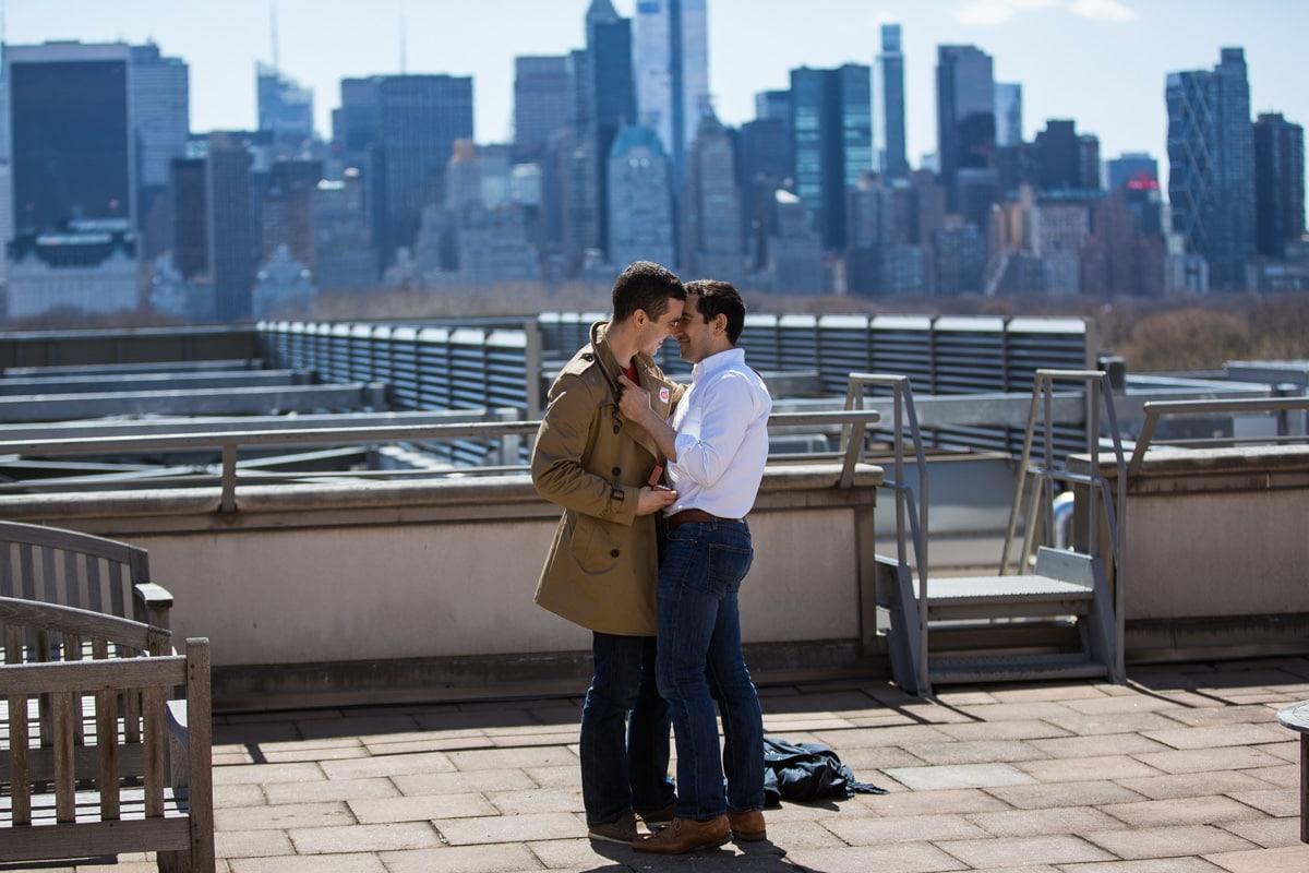 Photo 3 Surprise marriage proposal at Metropolitan Museum of Art | VladLeto