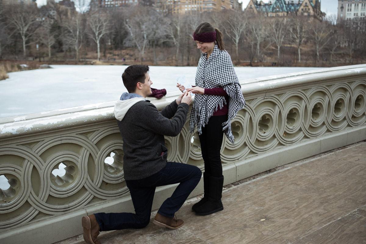 Bow bridge Central Park surprise proposal]– photo[1]