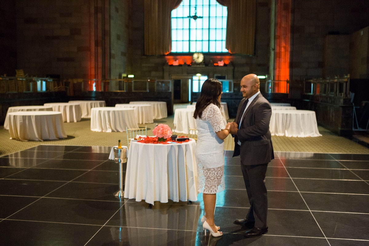 Photo Wedding proposal at Cipriani Grand Central | VladLeto