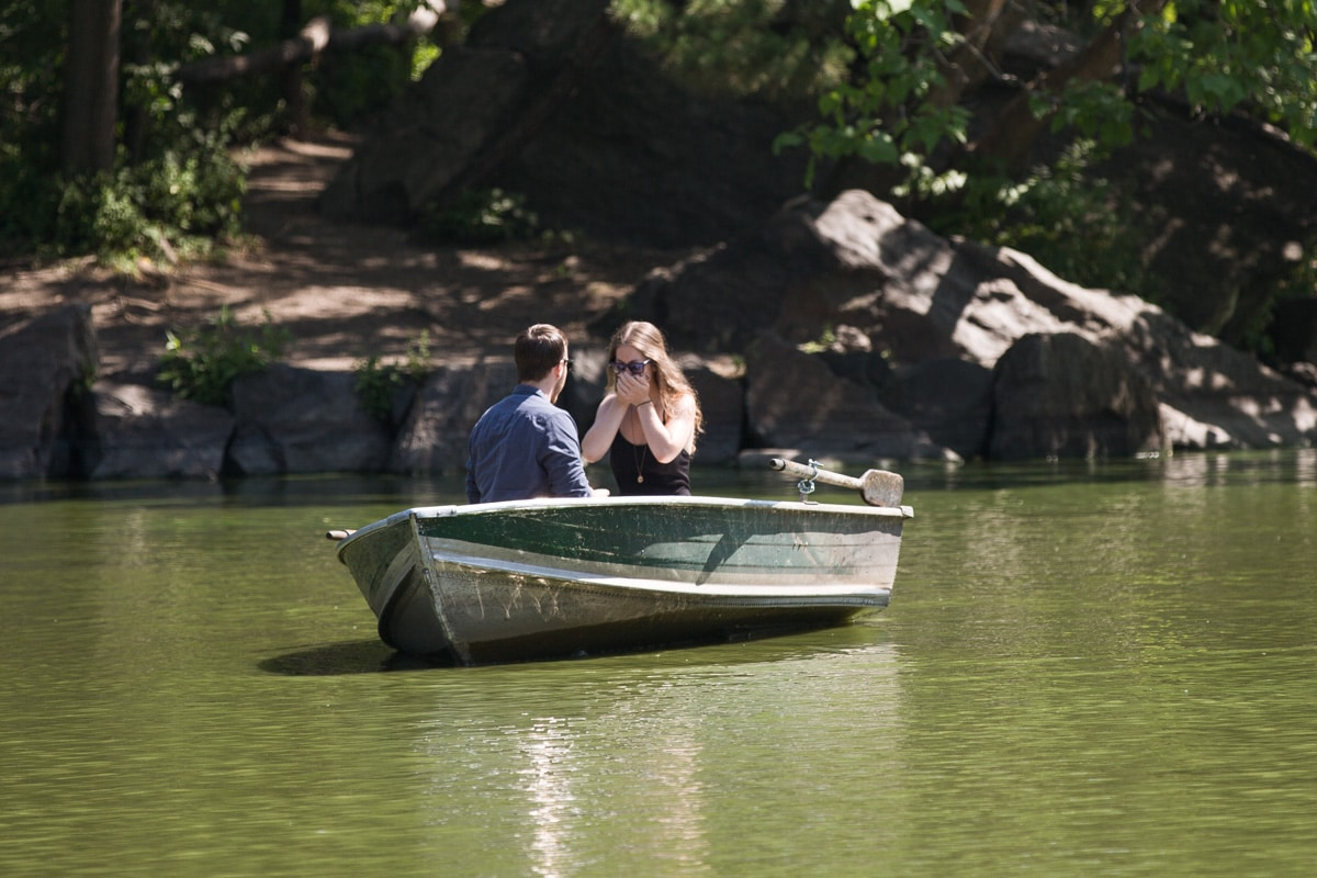 [Central Park Marriage Proposal on a raw boat]– photo[3]